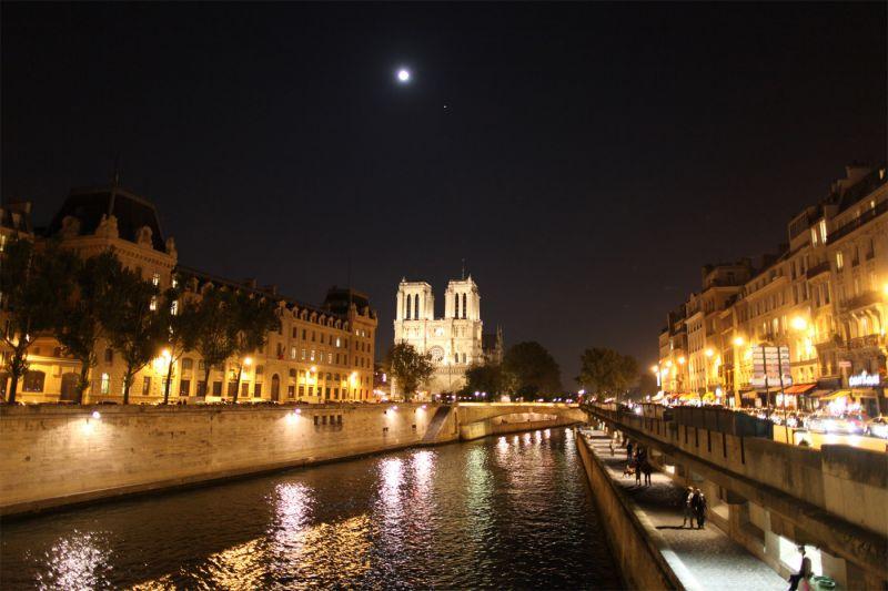 Lune de miel à Paris